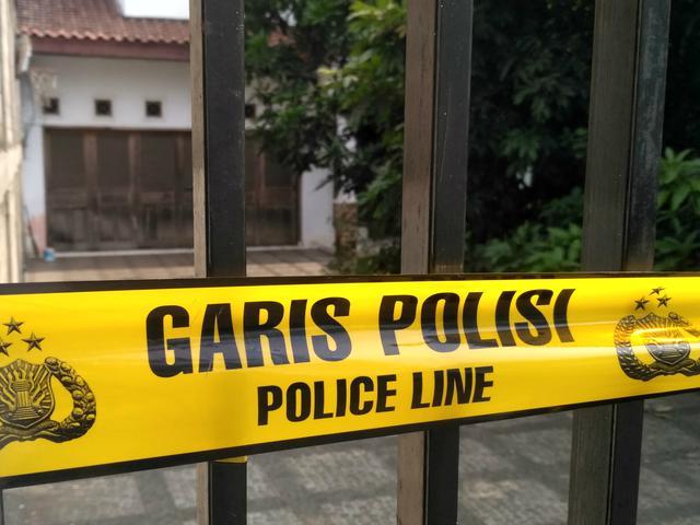 Rumah Otak Pembunuh Suami dan Anak Tiri Dipasang Garis Polisi ...
