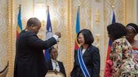 Raja Mswati III dari Kerajaan eSwatini, yang dulu bernama Swaziland, melakukan pertemuan diplomatik dengan Presiden Taiwan Tsai Ing-wen (Central News Agency Taiwan)