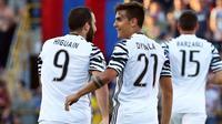 Striker Juventus Paulo Dybala merayakan gol ke gawang Bologna pada laga Serie A di Stadion Renato Dall'Ara, Bologna, Sabtu (27/5/2017). (EPA/Giorgio Benvenuti)