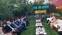 Dubes RI untuk Ukraina Yuddy Chirsnandi menggelar acara buka puasa bersama  dengan para Dubes negara-negara muslim. (Istimewa)