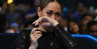 Bunga Citra Lestari Juri Indonesian Idol X, Senin (2/3/2020). (Adrian Putra/Fimela.com)