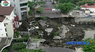 Polda Jawa Timur tetapkan perencana bangunan ruang bawah tanah Rumah Sakit Siloam jadi tersangka kasus amblesnya Jalan Raya Gubeng, Surabaya.