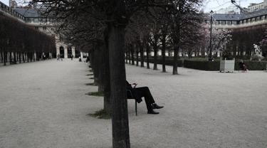 Begini Suasana Paris Saat Lockdown Terbatas COVID-19