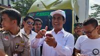 Di Sukabumi, Menteri Amran lepas ekspor manggis dan bantuan untuk 10 ribu petani milenial. (foto: dok. Kementan)