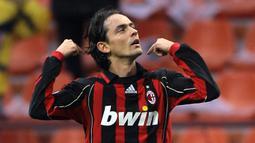 1. Filippo Inzaghi - Inzaghi merupakan penyerang ajaib yang dimiliki AC Milan saat meraih gelar juara Liga Champions 2007. Filippo Inzagi menjadi pahlawan kemenangan AC Milan lewa dua gol yang dicetaknya ke gawang Liverpool di laga final. (AFP/Giuseppe Cacace)