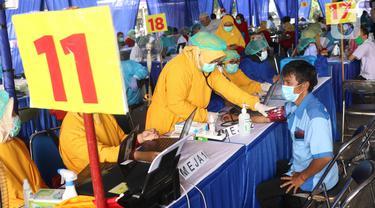 Giliran 1.000 Sopir Transportasi Umum Divaksin COVID-19 di Poris Plawad Tangerang
