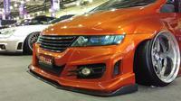 Mobil-mobil modifikasi adu ceper di IMX 2018. (Septian/Liputan6.com)