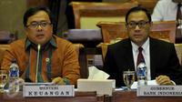 Menkeu Bambang Brodjonegoro (kiri) dan Gubernur BI Agus Martowardojo saat menghadiri rapat dengan Komisi XI DPR RI, Jakarta, Senin (21/9/2015). Komisi XI DPR sangat kecewa dengan pencapaian yang diraih oleh PPN/Bappenas. (Liputan6.com/Johan Tallo)