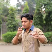 Ibnu Jamil mengaku beruntung memiliki banyak teman asal medan, untuk dijadikan tempat belajar bahasa medan. (Andy Masela/Bintang.com)