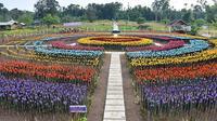 Kota Lamitan di Filipina ubah sampah plastik dari 45 desa jadi taman bunga yang indah. (Sumber: Elite Readers)