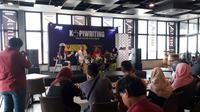 """Suasana Talkshow interaktif dengan tema """"Industri Kreatif di Era Digital"""" di Altitude Lounge, Hotel Aston Inn Pandanaran, Semarang, Jawa Tengah. (foto: Liputan6.com/felek wahyu)"""