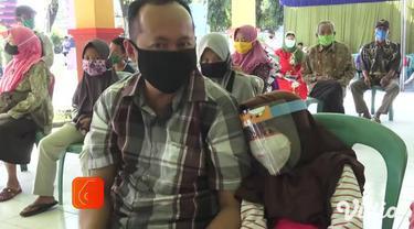 Tes cepat secara keseluruhan akan diikuti 1047 orang dari 11 kecamatan di Kabupaten Nganjuk. Tes dilakukan selama 3 hari di Kantor Kecamatan Pace, Nganjuk, Jawa Timur. Sebagian besar adalah pasien dokter umum di sebuah klinik yang dinyatakan terkonfi...