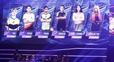 Tim All star Magic Moniyan bersiap menghadapi tim Magic Academy pada Mobile Legends Bang Bang: All Star 2019 di Tenis Indoor Senayan, Jakarta, Sabtu (20/7). MLBB All Star Team dibagi menjadi 4 tim yang dipimpin pemain Onic eSports. (Bola.com/Yoppy Renato)