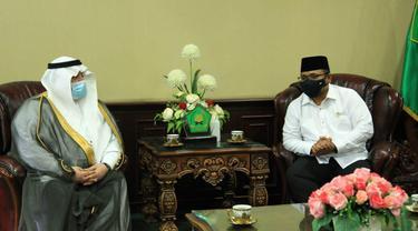 Menag Yaqut Cholil Qoumas bertemu Dubes Arab Saudi Esam Abid Althagafi  di Kantor Kementerian Agama, Jakarta