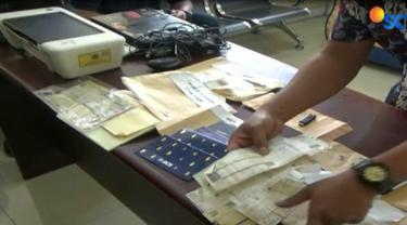 Satuan Reserse Kriminal Kepolisian Sektor Kemayoran, mengungkap sindikat pembuatan Surat Tanda Nomor Kendaraan atau STNK palsu.