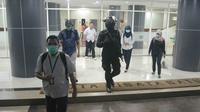 Komisi Pemberantasan Korupsi (KPK) menggeledah 3 tempat terkait suap Wali Kota Batu, Malang, Jatim. (Liputan6.com/Zainul Arifin)