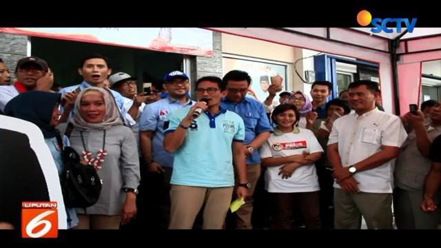 Sandiaga juga menjelaskan kepada relawan jika hasil survei internal menunjukan tren positif elektabilitas pasangan Prabowo-Sandi.