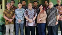 Wakil Gubernur Daerah Istimewa Yogyakarta  (DIY) KGPAA Paku Alam X dalam pertemuan bersama perwakilan PSSI untuk membahas tuan rumah Piala Dunia U-20 2021 (Foto: PSSI)