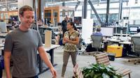 Kantor Facebook yang menggabungkan konsep collaborative space dan ruangan pribadi (sumber: business insider)