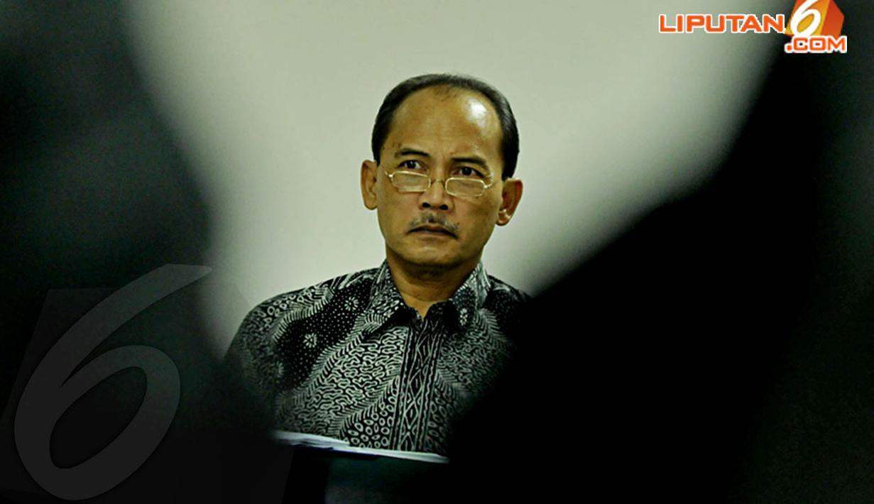 Senin (14/4/2014), Pengadilan Tipikor Jakarta kembali menggelar sidang lanjutan kasus Tindak Pidana Korupsi (TPK) dalam pemberiaan FPJP dan penetapan Bank Century sebagai bank gagal berdampak sistemik dengan terdakwa Budi Mulya. (Liputan6.com/Johan Tallo)