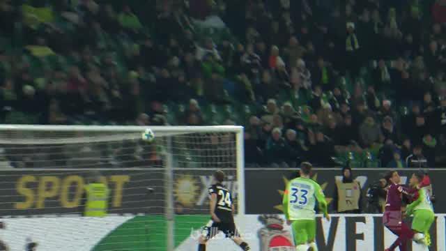 Berita video gol dari tengah lapangan Serge Gnabry menjadi yang terbaik pekan ke-14 Bundesliga 2017-2018. This video presented by BallBall.