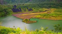 Kawah Gunung Galunggung di Tasikmalaya, Jawa Barat, lokasi diduga dua pencari burung hilang tertimbun longsor. (Liputan6.com/Jayadi Supriadin)
