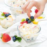 ilustrasi salad buah/copyright Unsplash/Dana DeVolk