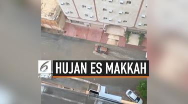 Abdullah Gymnastiar mengunggah video hujan es dan banjir yang terjadi di kota Makkah, Arab Saudi.