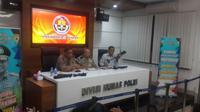 Polri menyatakan pengadaan senjata ini sudah diketahui Kepala Korp Brimob Irjen Pol Murad Ismail dan Badan Intelijen Strategis (BAIS) TNI.