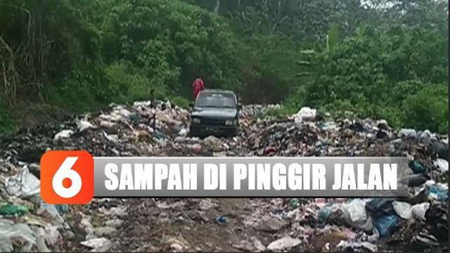 Menurut warga, penumpukan sampah terjadi karena belum adanya sistem pengangkutan sampah yang terintegrasi.