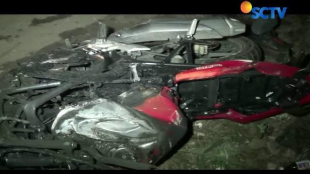 Kedua korban juga menderita luka bakar lantaran tanki sepeda motor yang dikendarainya terbakar setelah motor yang mereka tumpangi terseret.