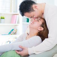 Mempertahankan cinta bersama./Copyright shutterstock.com/g/szefei