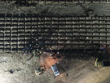 FOTO: Angka Kematian Harian Akibat COVID-19 di Indonesia Pecah Rekor