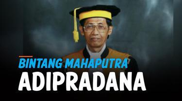 Mantan Hakim Agung Artidjo Alkostar dianugerahi Bintang Mahaputra Adipradana. Penerima dinilai memberikan kontribusi dan berjasa bagi bangsa dan negara.