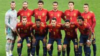 Santi Cazorla terkesan dengan cara pelatih Luis Enrique dalam membangun skuat Timnas Spanyol yakni dengan dihuni banyak pemain muda. (AFP/Sergei Supinsky)