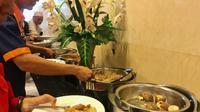 Lontong Sayur dan Opor Ayam Dihidangkan di Balai Kota DKI di Hari Idul Fitri. (Liputan6.com/Yunizafira)