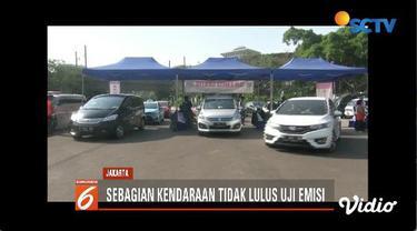 Pemprov DKI uji emisi gratis pada kendaraan yang melintas di kawasan silang Monas. Hal itu dilakukan untuk mengontrol dan mengurangi dampak polusi udara di ibu kota.