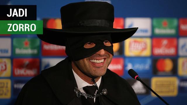 Berita video momen Pelatih Shakhtar Donetsk, Paulo Fonseca, menjadi zorro setelah mengalahkan Manchester City pada laga terakhir Grup F Liga Champions 2017-2018.