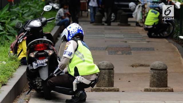 Gubernur DKI Jakarta Djarot Saiful Hidayat mengatakan pemotor yang nekat mengambil hak pejalan kaki dengan melewati trotoar harus ditertibkan.
