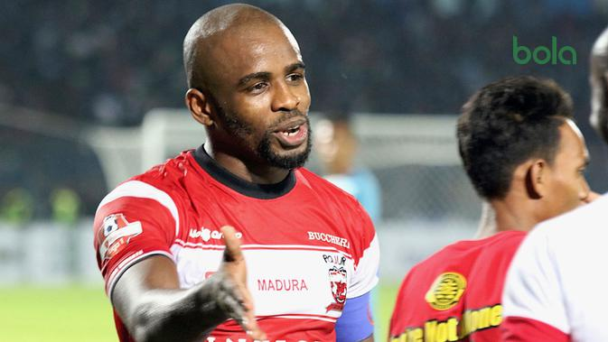 Greg Nwokolo, striker Madura United di Liga 1 2019. (Bola.com/Aditya Wany)