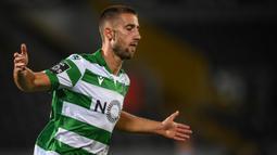 2. Andraz Sporar (6 gol dan 2 assist) : Penyerang berusia 26 tahun ini telah mengoleksi 6 gol di Liga Europa musim ini. Namun sayang, langkahnya terhenti di babak 32 besar usai Sporting Cp dikalahkan Istanbul Basaksehir. (AFP/Hugo Delgado/pool)