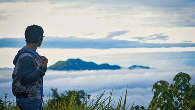 Sensasi Berburu Kabut Pagi Di Puncak Pegunungan Gorontalo Regional
