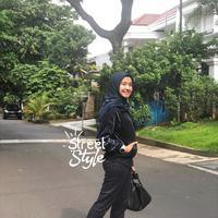 Hijab Laudya Cynthia Bella. (Instagram/laudyacynthiabella)