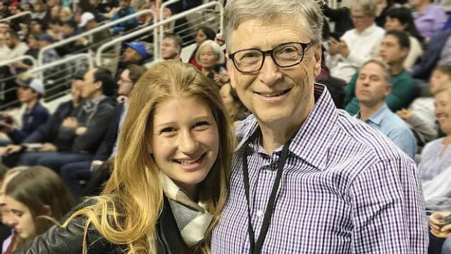 Cerita Menarik Saat Bill Gates Antar Anak Ke Sekolah Bisnis