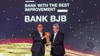 bank bjb dinobatkan sebagai Bank With The Best Improvement dalam gelaran CNBC Indonesia Award 2019. Penghargaan diterima langsung oleh Direktur Utama bank bjb Yuddy Renaldi. Turut hadir Founder & Chairman CT Corp. Chairul Tanjung, Menkeu Sri Mulyani dan Wapres Periode 2014-2019 H.M. Jusuf Kalla.