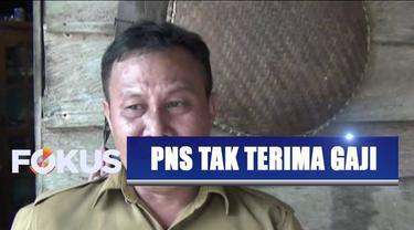 Seorang PNS di Konawe, Sulawesi Tenggara, tak terima gaji selama satu tahun karena dituduh gunakan surat keputusan palsu dalam pengangkatan PNS.