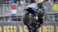 Valentino Rossi saat balapan di MotoGP Australia. (AP Photo/Andy Brownbill)