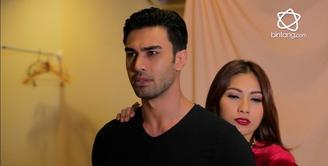 Tata Janeeta- Mehdi dipertemukan lewat Video clip singlenya yang membuat mereka saling suka satu sama lain.