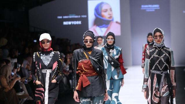 Dian Pelangi Hadirkan Koleksi Sporty Di Jakarta Fashion Week 2019