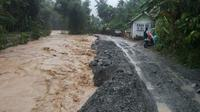 Banjir di Kecamatan Tangse Akibatkan Infrastruktur Rusak Parah. (Liputan6.com/Rino Abonita)
